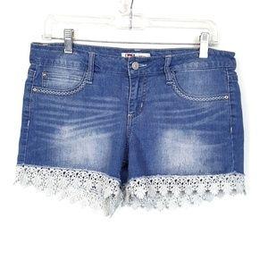 Vtg LEI ASHLEY Boho Denim Shorts w Lace Trim